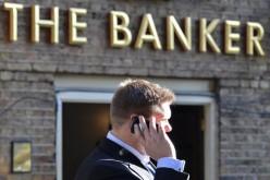 Евробанкирам и биржевикам урежут зарплату