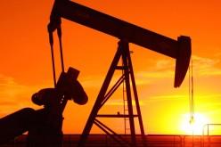 Нефть снижается до недельных минимумов