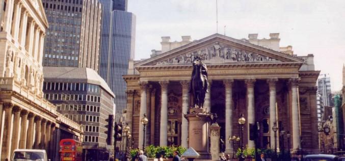 Европейский рынок акций поддержала борьба за London Stock Exchange