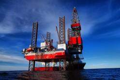Нефть торгуется ниже 50 долларов за баррель