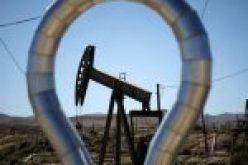 Торги в Азии завершились удешевлением нефти по договорам на декабрь