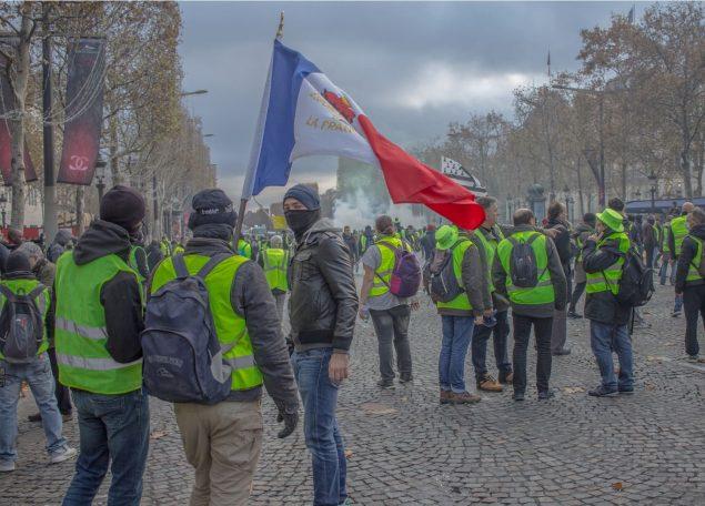 Франция: бунты в стране