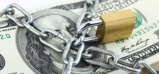 Россия отказывается от доллара: американской валюте грозит обвал