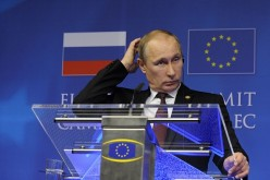 Евросоюз начал разработку санкций против двух крупнейших банков России – ВТБ и Сбербанка