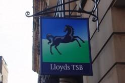 Lloyds держит потери в первой половине 2011