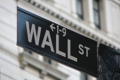 Уолл-стрит отслеживает угрозу «финансового обрыва»