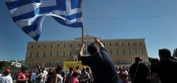 Член ЕЦБ: Греции может понадобиться на два пакета помощи больше